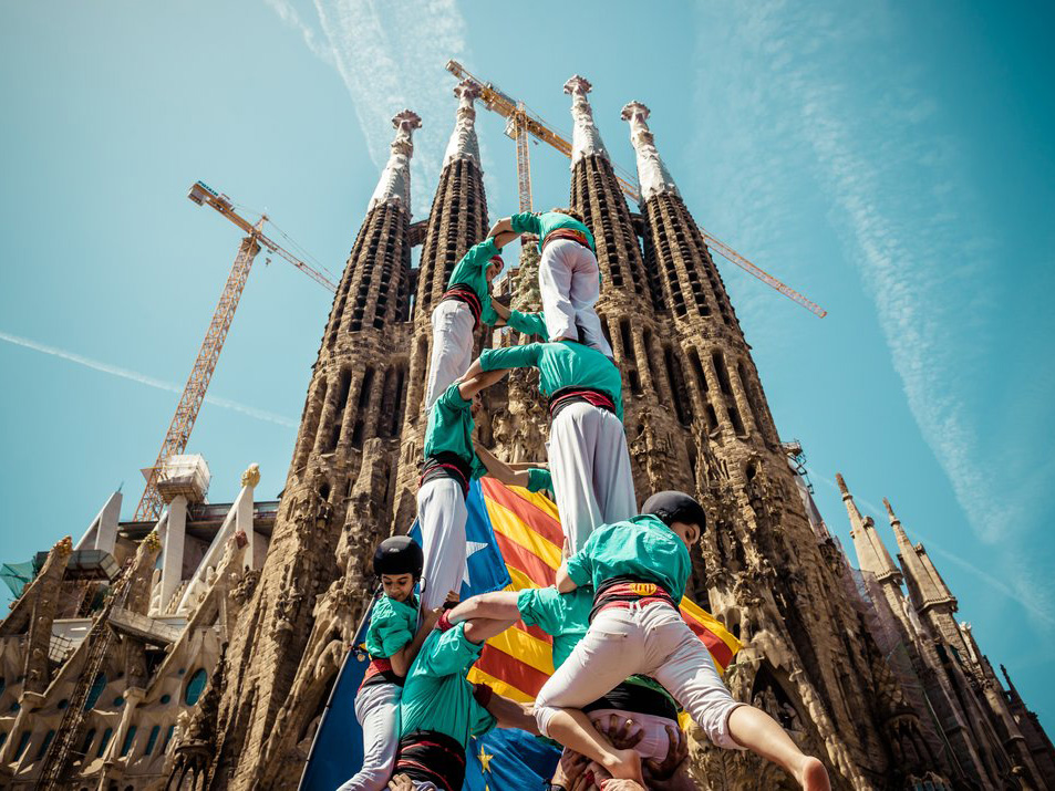 Human towers for democracy at the anniversary of Castellers in Barcelona. <i>Photo by Matthias Oesterle/Demotix/Corbis</i>