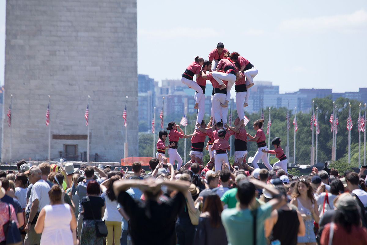 Catalan human towers on the National Mall of the United States at the 2018 Smithsonian Folklife Festival. Photo by John Young, Ralph Rinzler Folklife Archives