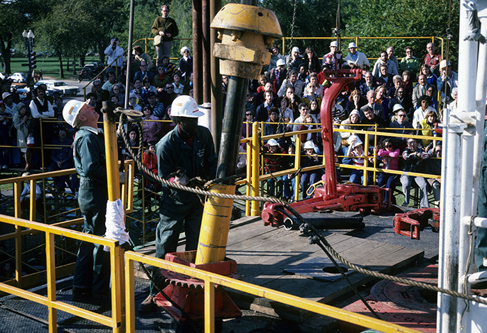 A crew of oil workers from Texas demonstrates the operation of a full-sized oil drilling rig at the 1978 Folklife Festival. Ralph Rinzler Folklife Archives