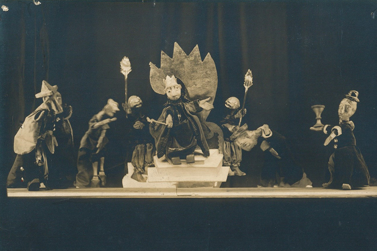 A scene from one of Modicut's first plays, a Lower East Side version of the Purim story, 1926. Photo courtesy of the Archives of the YIVO Institute for Jewish Research