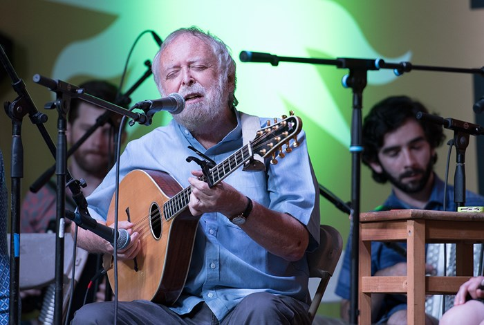 Mick Moloney leads the Green Fields of America at the 2017 Smithsonian Folklife Festival. Photo by Art Pittman, Ralph Rinzler Folklife Archives