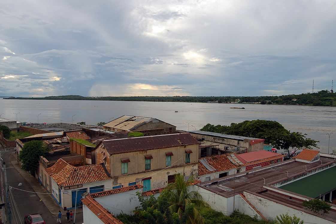 Orinoco River from the city of Ciudad Bolívar in southern Venezuela