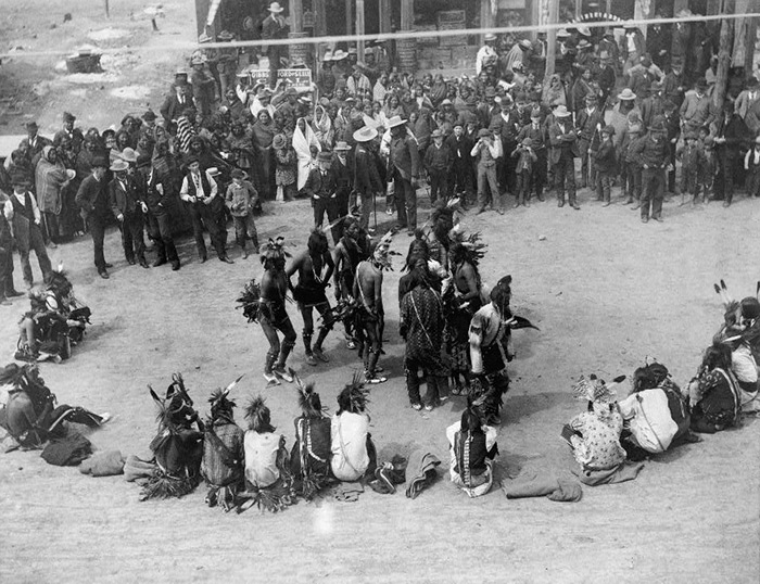 The Great Omaha powwow dance of the Cheyennes in Montana, circa 1891.