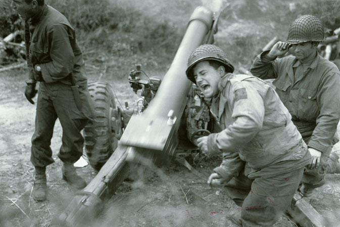 American howitzers shell German forces