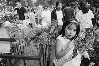 Through Time's Eye: Photographer Miguel Gandert and the Day of the Dead