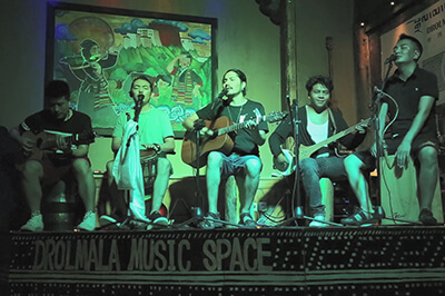 Introduction to Tibetan Music Clubs