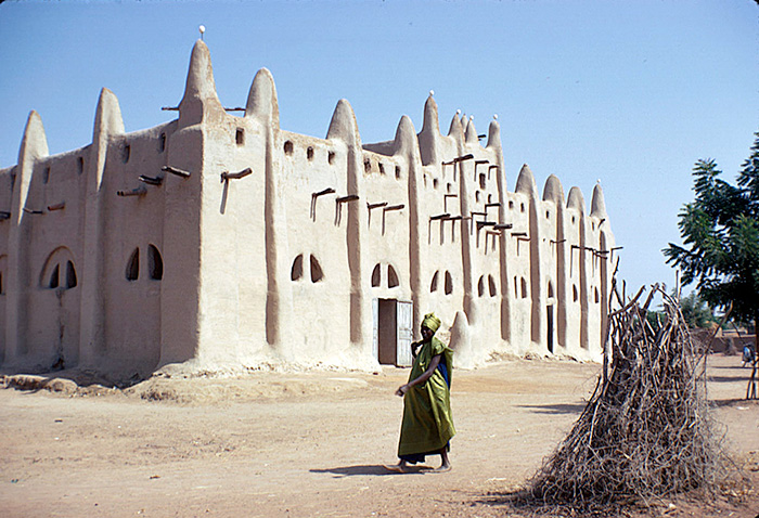 The village Mosque in San, Mali. Photo courtesy of Eliot Elisofon Photographic Archives